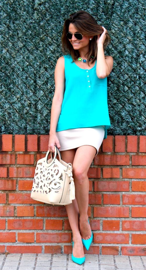 Fashion and Style Blog / Blog de Moda . Post: Love this color / Me encanta este color.More pictures on/ Más fotos en : http://www.ohmylooks.com/?p=18542