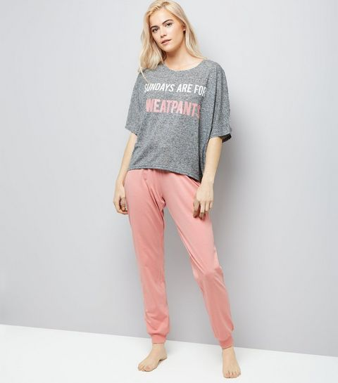 b6375bb0d3785 Pink Sunday Slogan Pyjama Set
