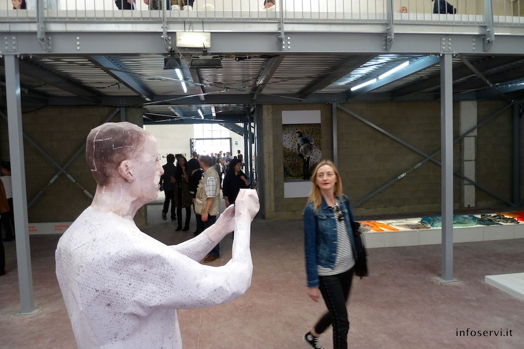 Royal Academy Of Art: Art Shooting Photos At People | Infoservi.it #art #design #research #lambrate #fuorisalone