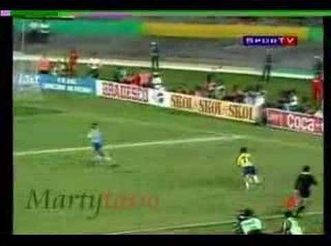 Hoje é dia de Maraca! Camisa do Brasil de 1993 - http://www.colecaodecamisas.com/hoje-e-dia-de-maraca-camisa-do-brasil-de-1993/