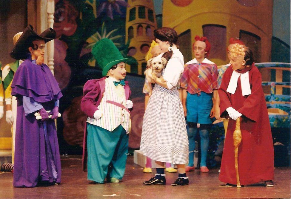 Munchkin Cat, Wizard Of Oz Munchkins, The Wizard Of Oz, Munchkin ...