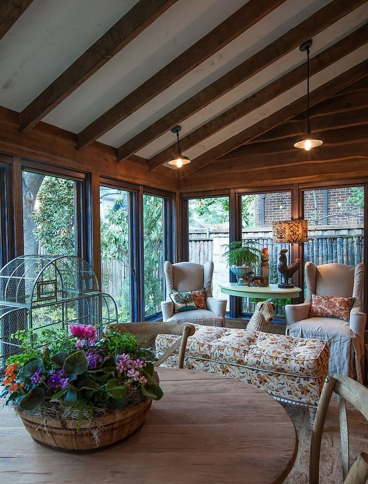 Cozy sunroom i love these windows big panes of for Farmhouse sunroom ideas