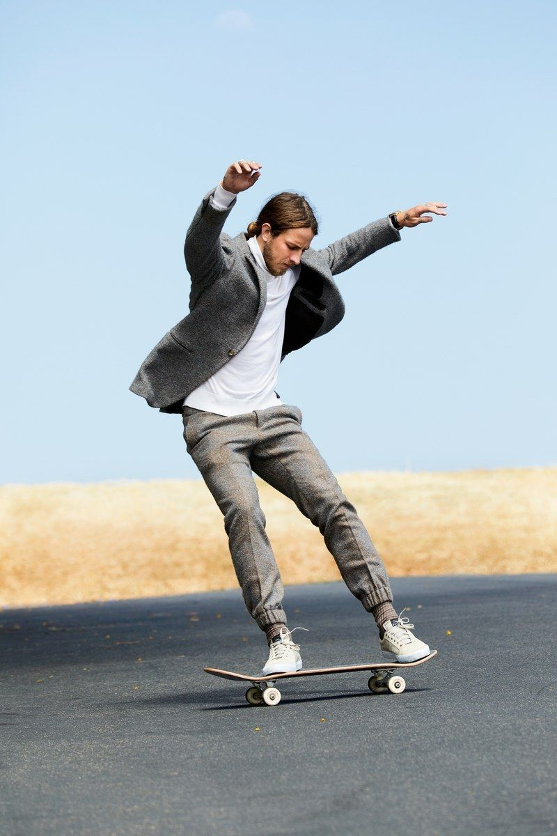 Skateboarding in style Skateboard, Tony hawk, Gq