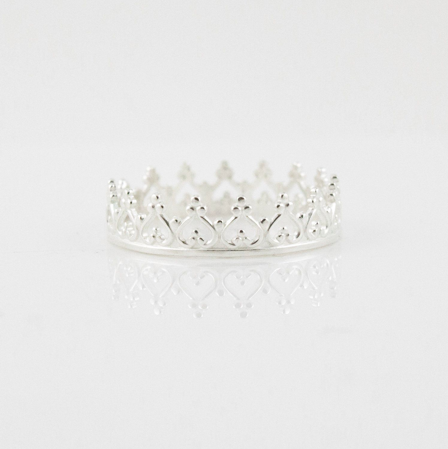 Sterling Silver crown ring. Dainty princess crown ring
