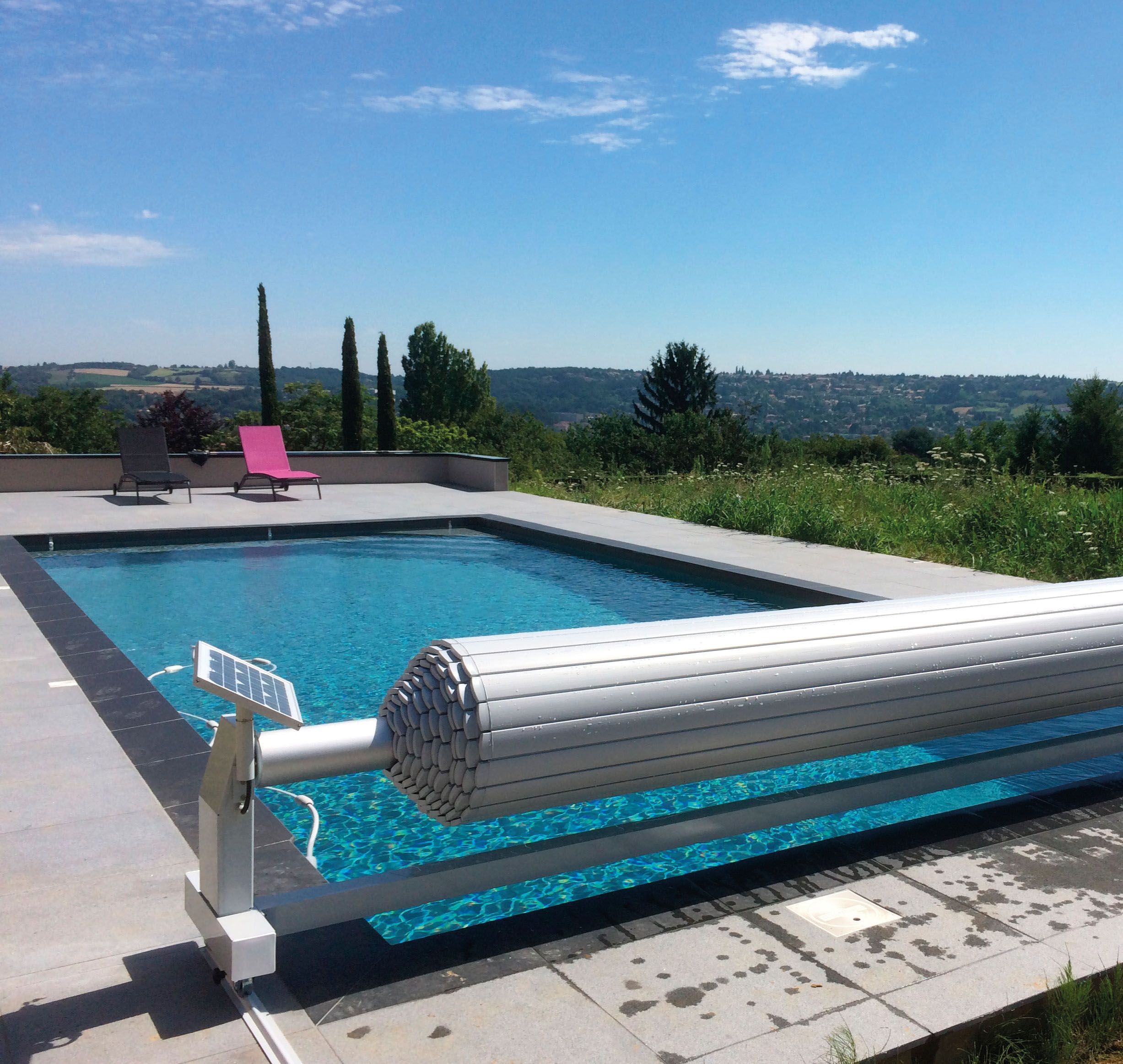 Volet de piscine mobile pour piscine 10m x 10m. Fabrication