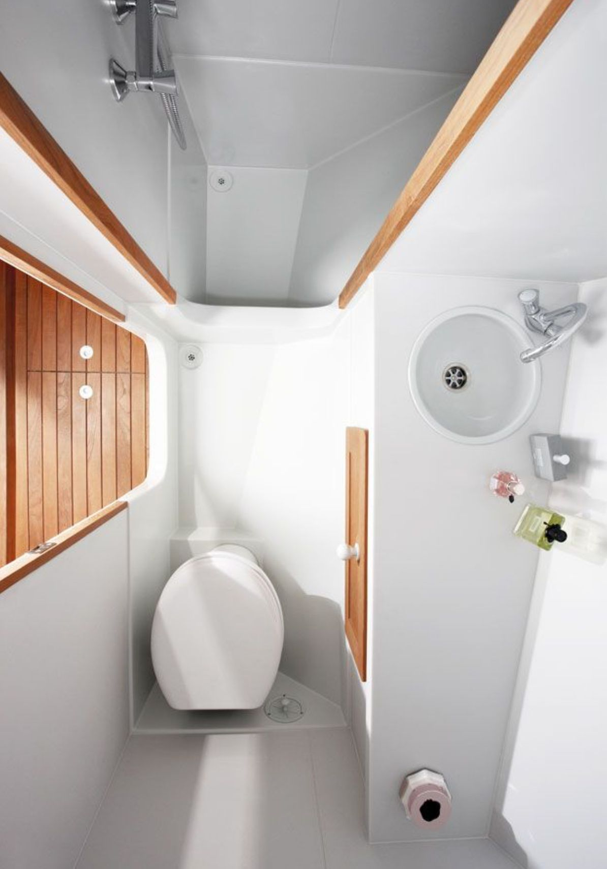 Pin By Rena Nightfall On Narrowboats Tiny House Bathroom House Bathroom Bathrooms Remodel