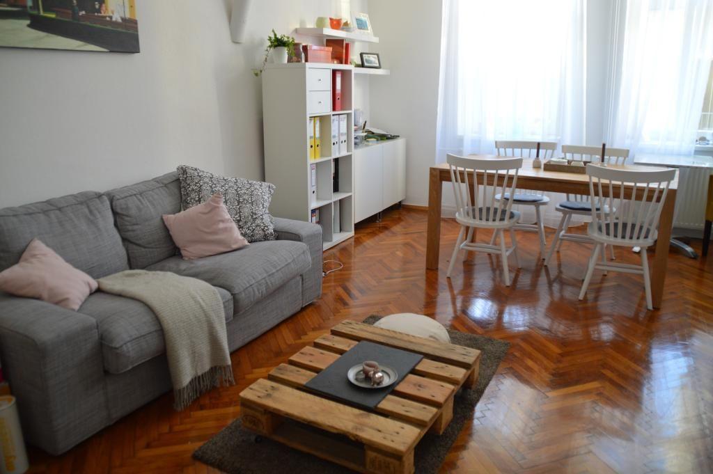 DIY-Coutisch aus Europaletten fürs Wohnzimmer #Einrichtung #DIY - Wohnzimmer Ideen Zum Selber Machen