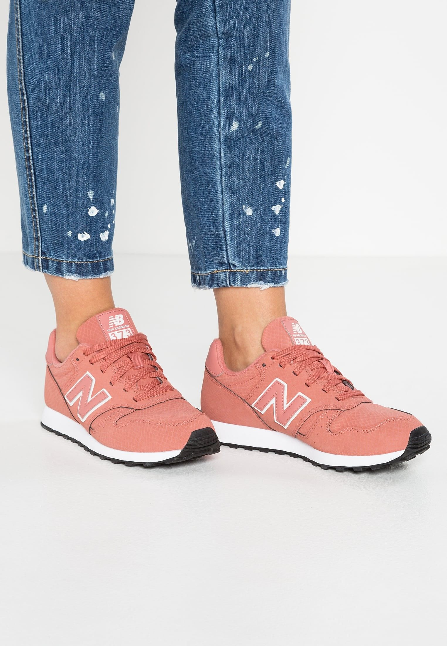 Nb shoes, Sneakers, Pink