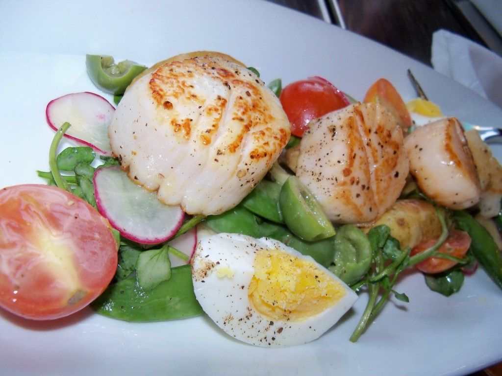 Delicious scallops at the junctionavl in ashevilles