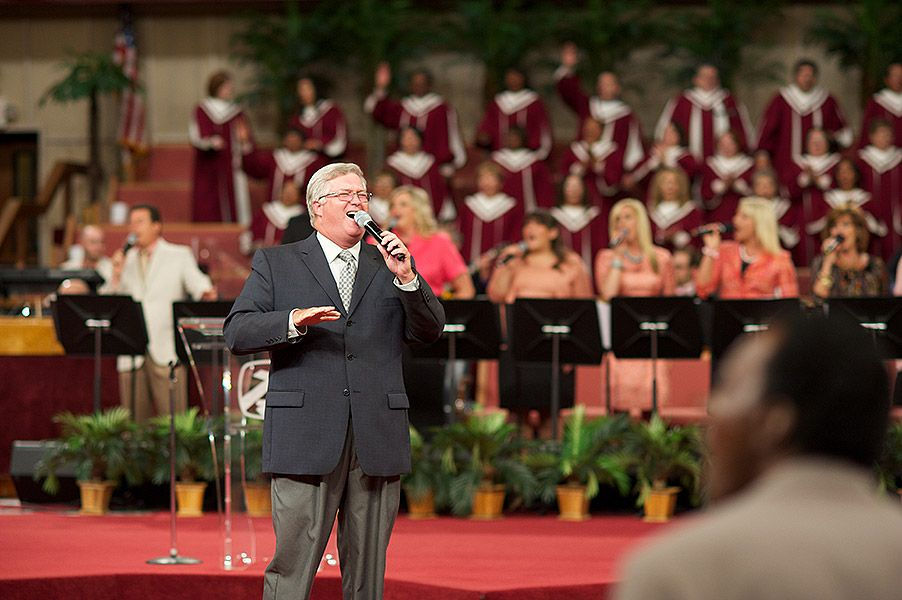 Robin Herd Musicians & Singers   Family Worship Center