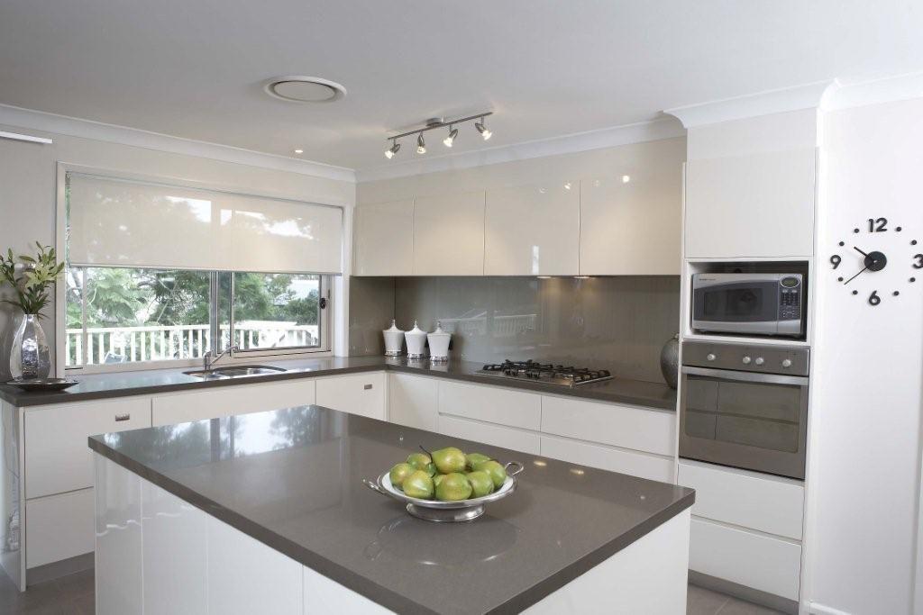 Best Vogue Kitchens Caesarstone Classico 3350 Walnut 400 x 300