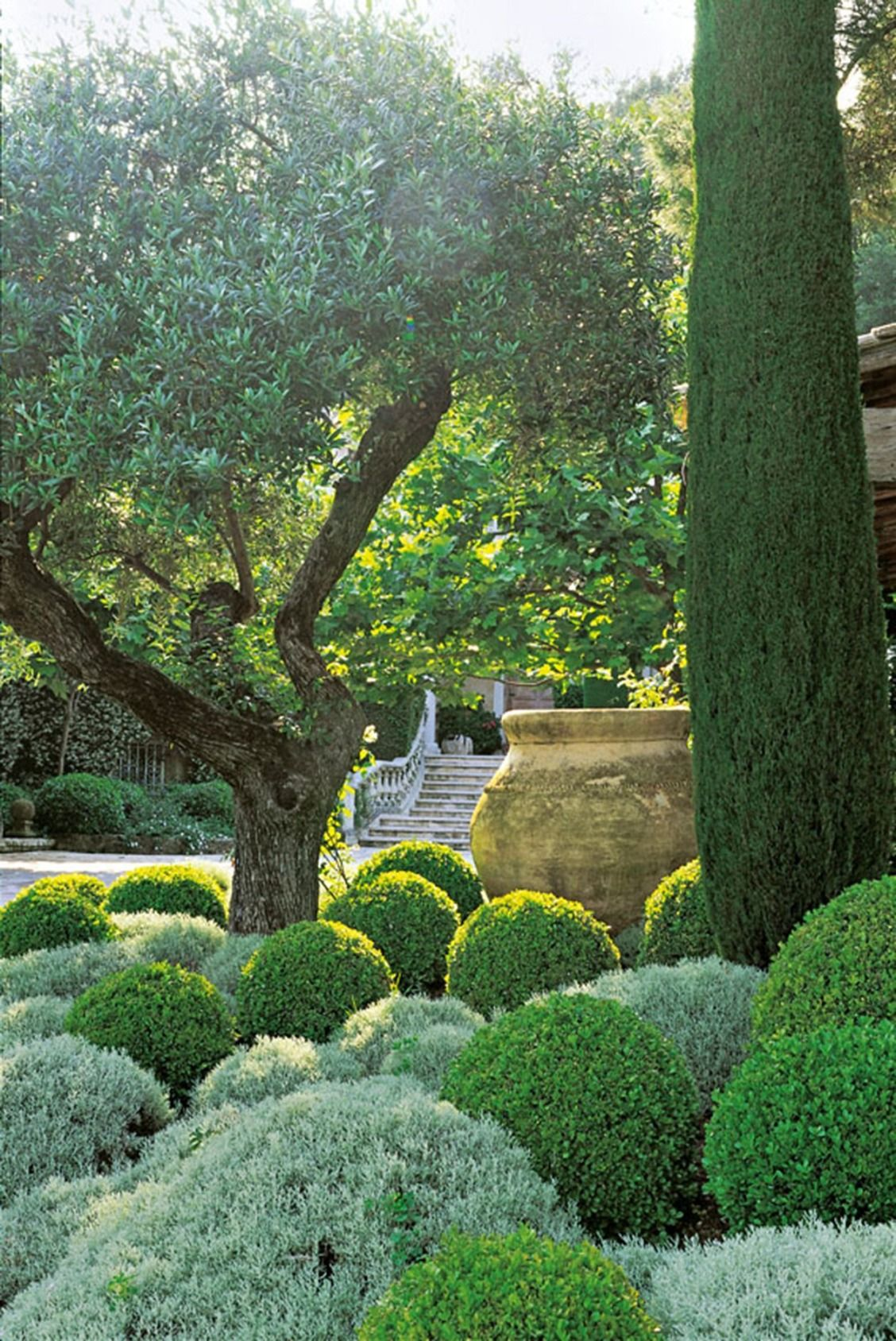 Look Inside Some Of The Most Beautiful Private Gardens Mediterranean