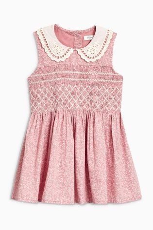How vintage looking is this STUNNING pink ditsy printed