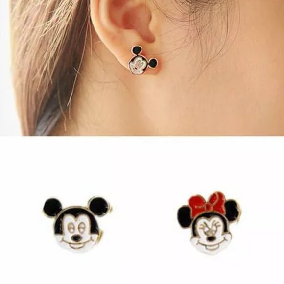 Disneyana Contemporary (1968-now) Beautiful Official Disney Mickey Mouse Earrings For Pierced Ears