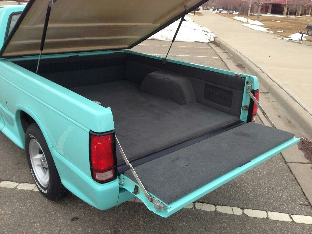 Bed Carpet In Seafoam Green 1st Gen S10 Mini Trucks Chevy S10 Old School Cars