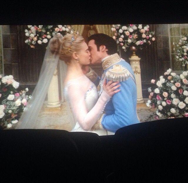 Prince And Charming Kissing 12 Cinderella