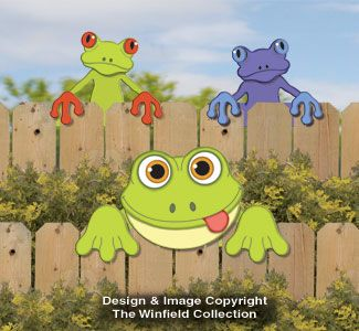 New Items - Frog Fence Peekers Wood Pattern
