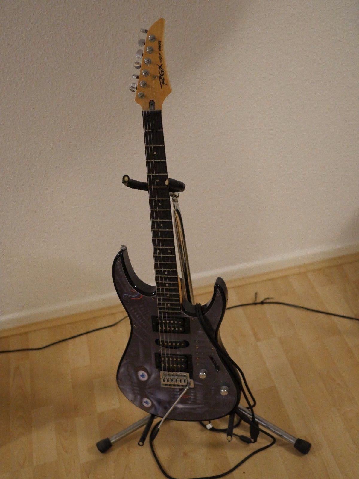 E Gitarre Set Yamaha RGX 121FP Fender FM 212R Verstärkersparen25 sparen25