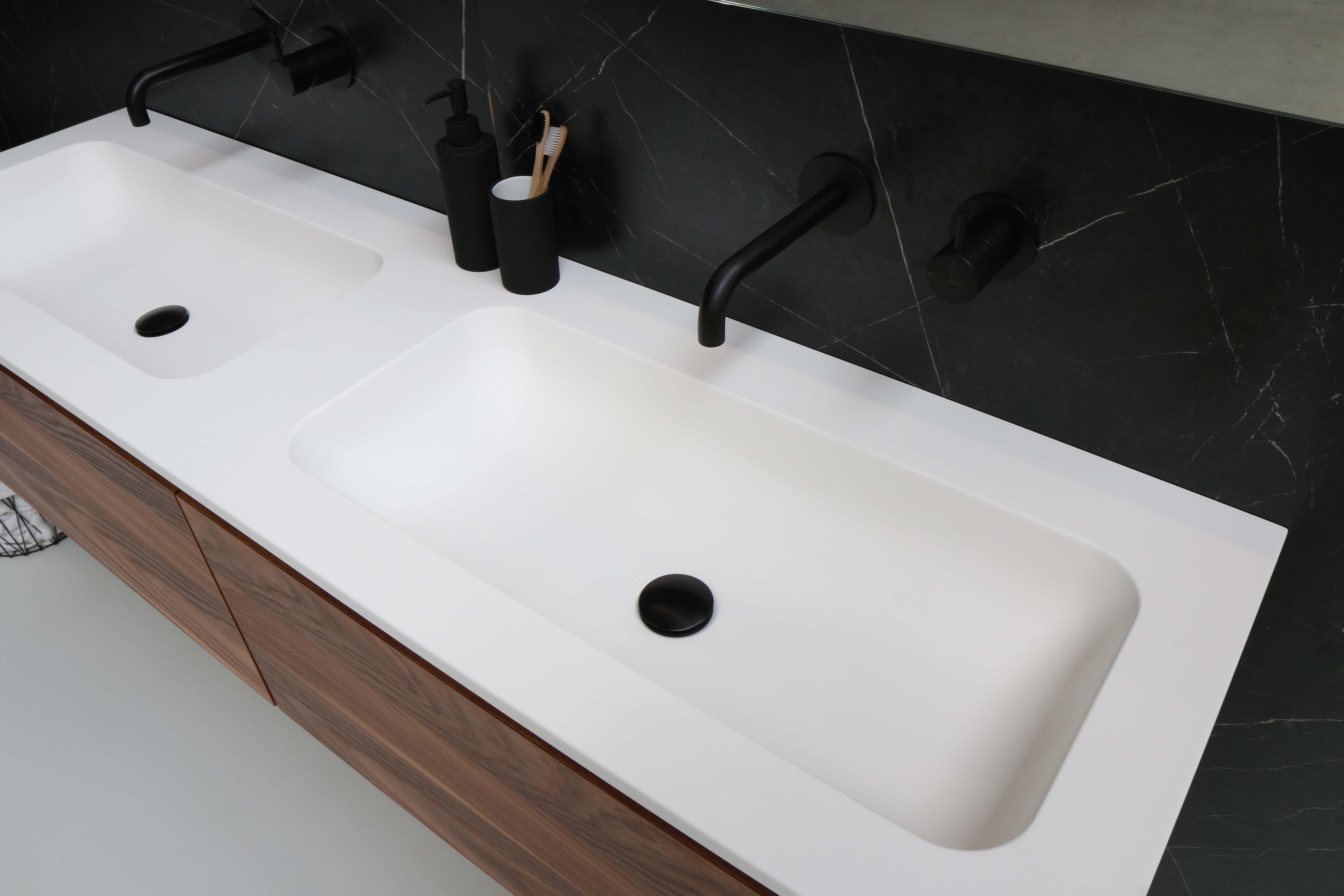 Betere De Faktor is een moderne en ruime polystone wastafel tot wel 160 YC-94