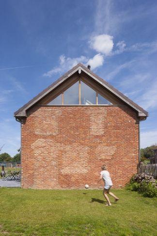 BuroBill - architecte Peggy Geens - verbouwde hoeve te Heers © foto Liesbet Goetschalckx