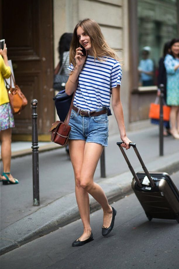 9ca9c5ea3d2 Outfit street style model off duty denim shorts cut off hot pant Levi s  ballet flats shoes fashion week Paris