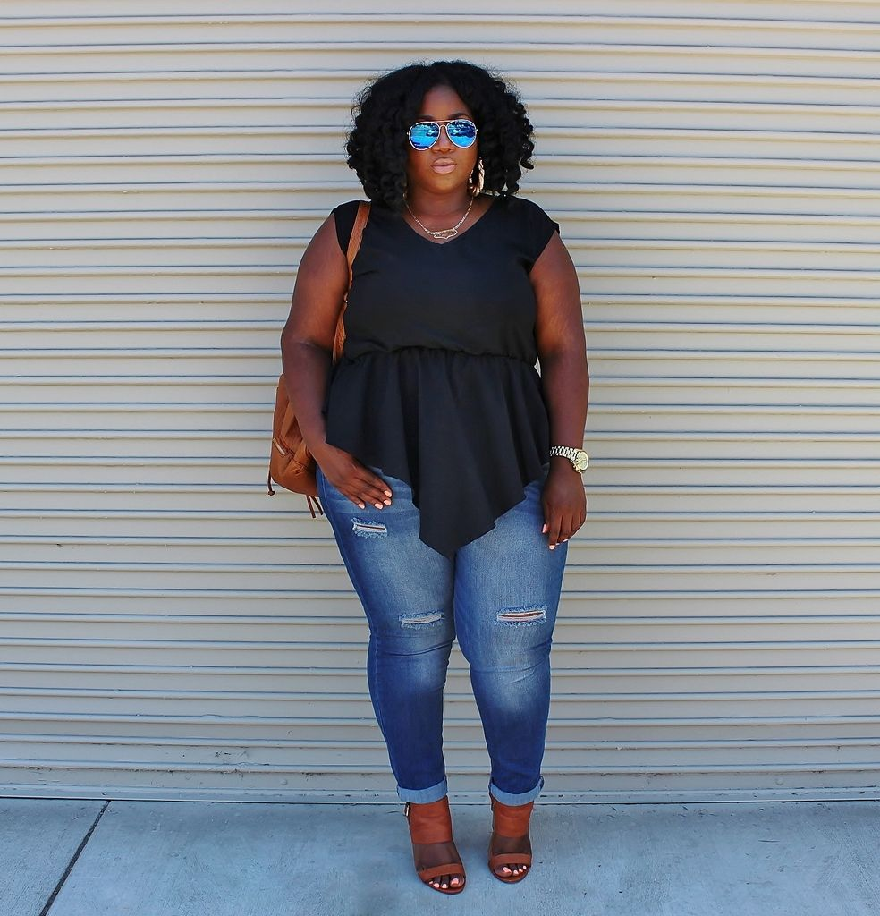 f4228051cf6 Plus Size Fashion -  lus Size OUtfit Idea - Movie Date Night