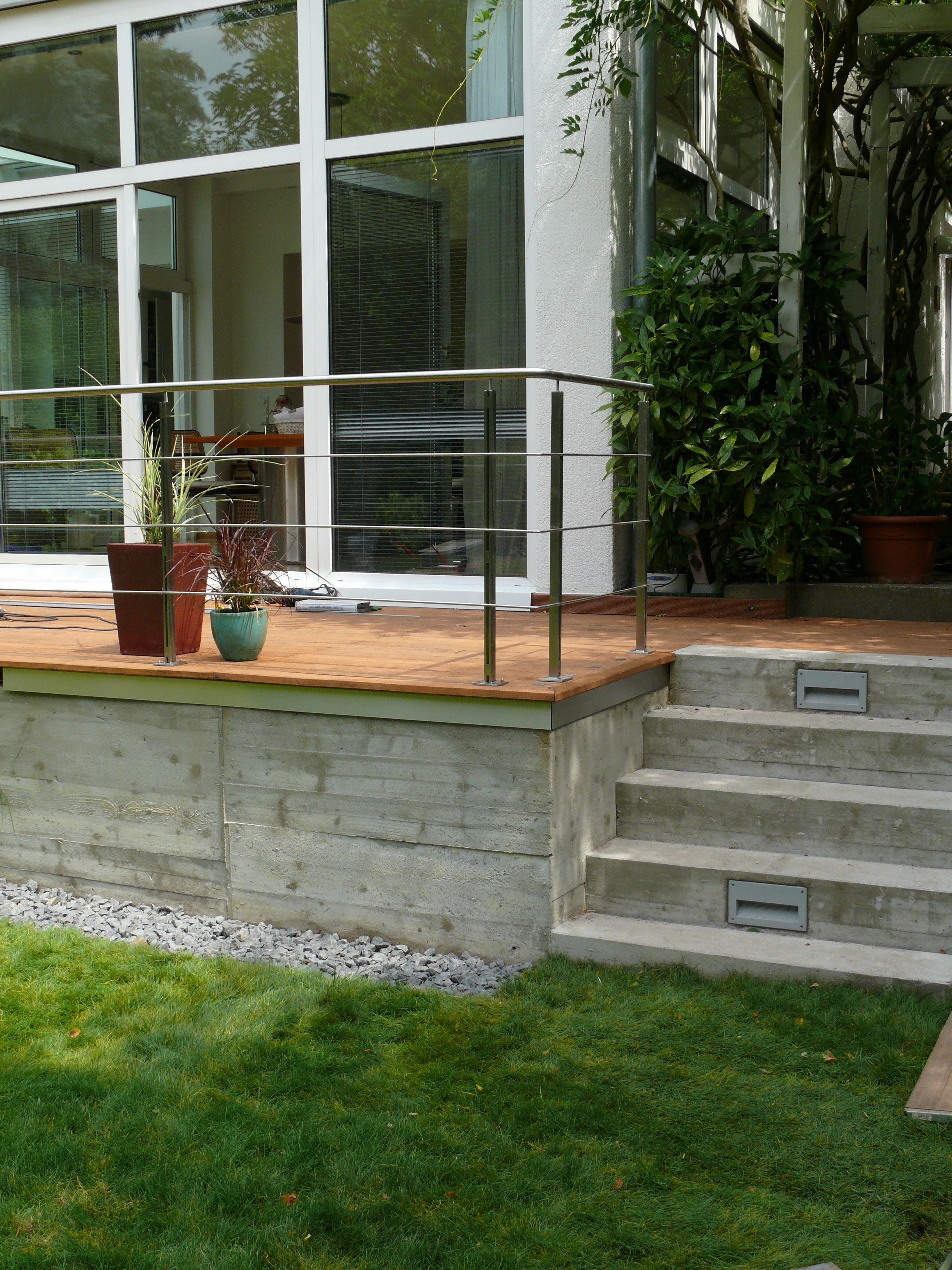 einfamilienhaus berlin terrassenanbau aus beton und eichendielen edelstahlgel nder harryclark. Black Bedroom Furniture Sets. Home Design Ideas