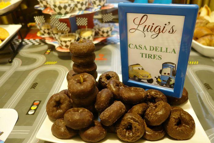 #DIsneySide Cars Party - Luigi's Casa Della Tires donuts