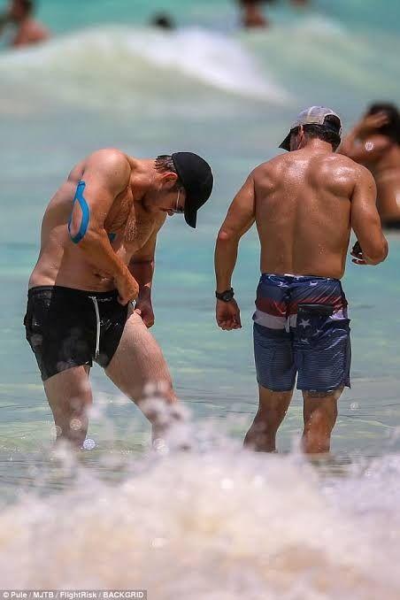 #THIRSTTRAP2: Chris Pratt Hits The Beach: ohnotheydidnt