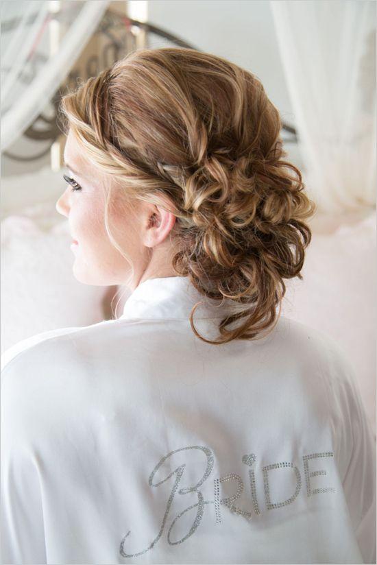 Glamorous wedding updo for bridal hair. Hair Stylist: Ashley Smit ---> http://www.weddingchicks.com/2014/05/26/glamorous-vow-renewal-ceremony/