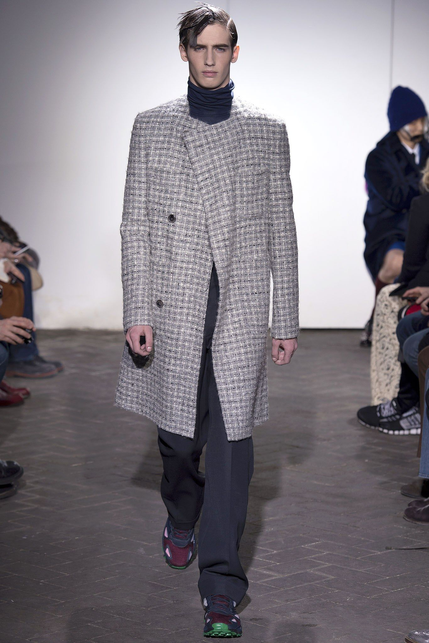 Raf Simons Fall 2013 Menswear Collection Photos - Vogue 6728f1af0