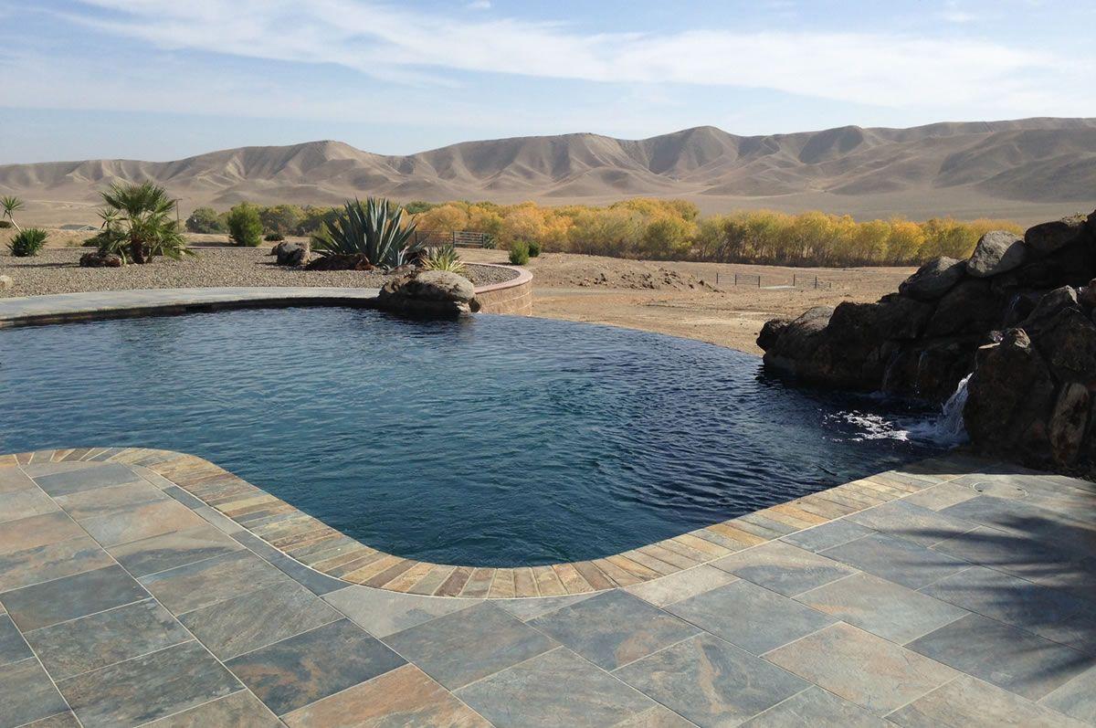 Infinity Pools by Paradise Pools #visaliapoolbuilder #visaliapool ...