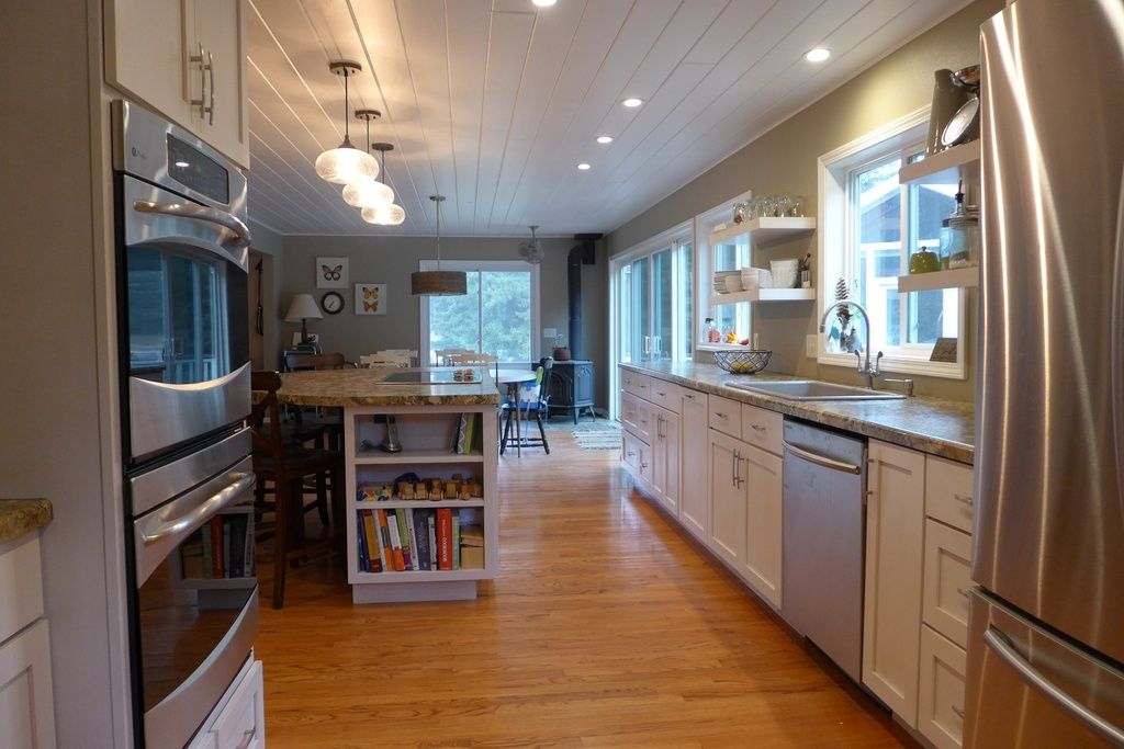 2849 State Highway 80 Wisconsin Rapids Wi 54495 Zillow Home House Floating Shelves