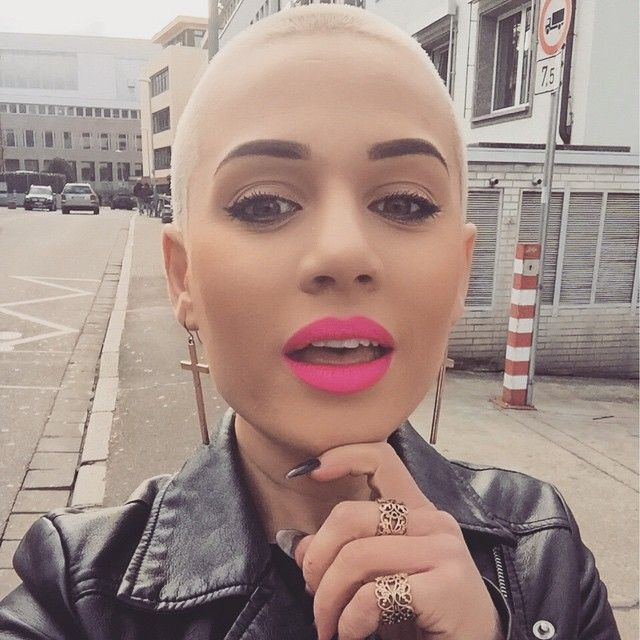 Haircut Headshave And Bald Fetish Blog For People Who Are Bald Fetish Haircut Fetish Fan Or Who Want To See Extreme Hairstyles Bald Beauty Girls