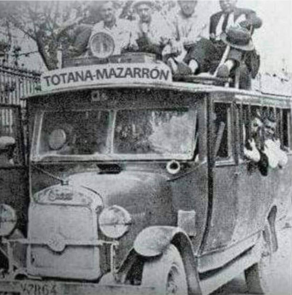 Linia De Autobús Totana Mazarrón Toda Un Aventura De La época Años 30 40 Murcia Fotografía Antigua Murcia Antigua