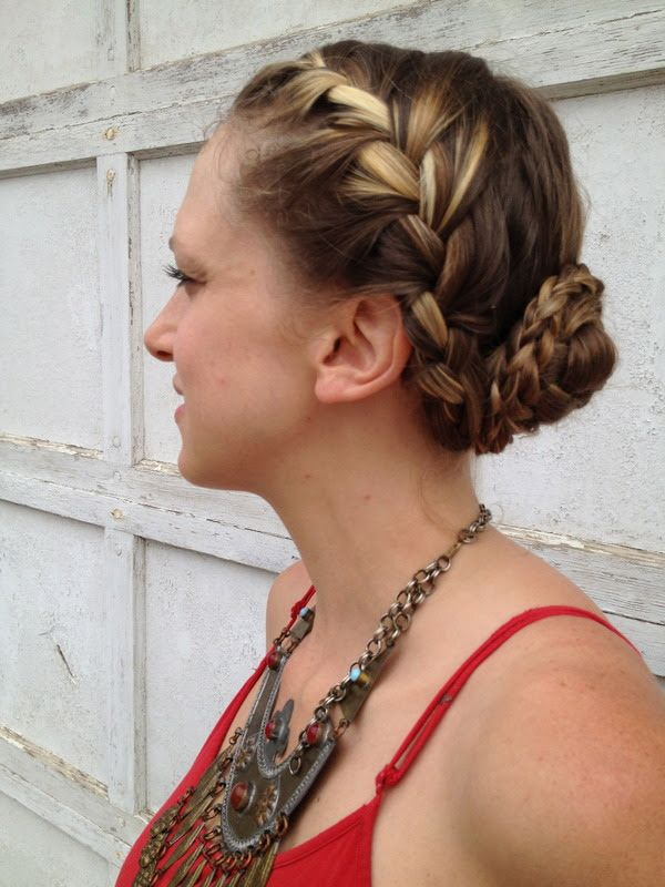 Latest Hairstyles Contributor Roxie Hunt Shows You How To Make A