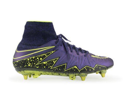 b3760db473a505 The Nike Hypervenom Phantom II (SG-Pro) Men s Soft-Ground Football Boot is  built for unrivaled agility on soft
