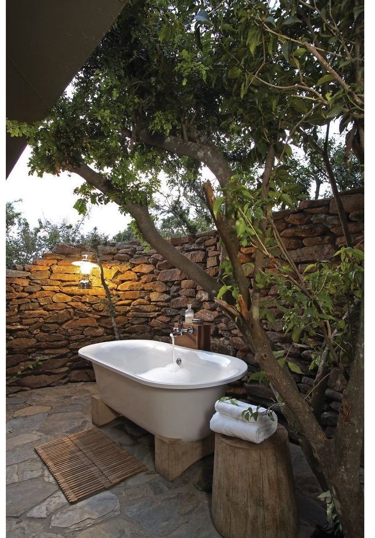 Discover the most wanted and exquisite outdoor bathrooms outdoor