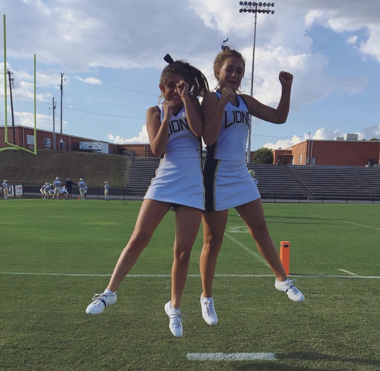 @hallefancher #senioryear | Cute cheer pictures, Cheer ...