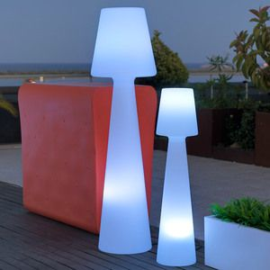 Lampadaire ext rieur led multicolore sans fil en for Luminaire deco exterieur