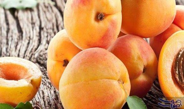 فوائد المشمش للعناية بالبشرة ووصفاته الطبيعية ي وصف المشمش أنه فاكهة الجمال لما يحتويه من مكونات فعالة من الفيتامينات والعناصر المغذية Fruit Apricot Food