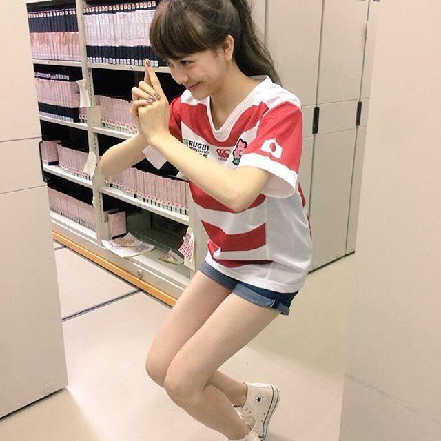 にんにん!をしている松井愛莉
