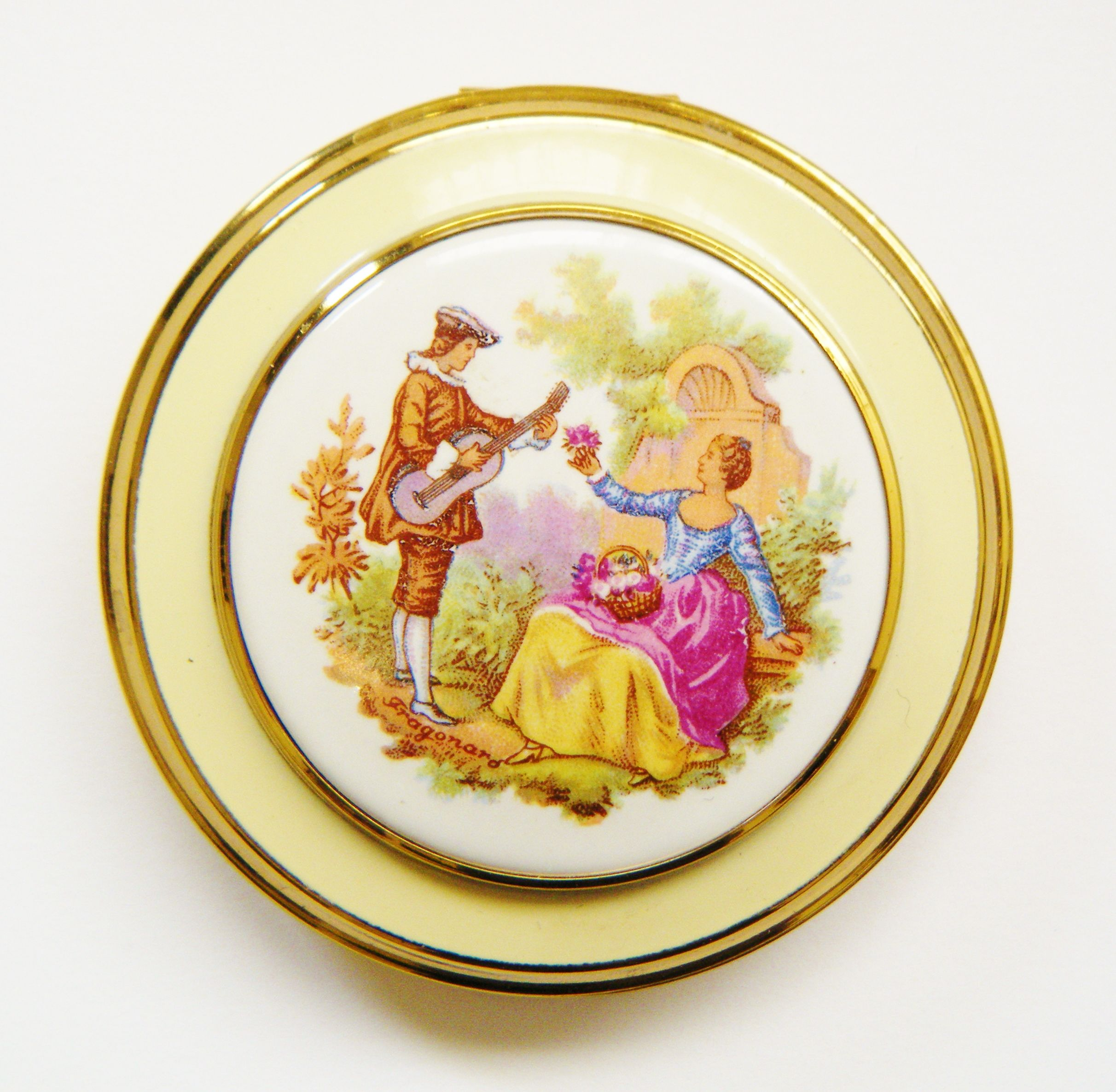 Courting Porcelain British Compact