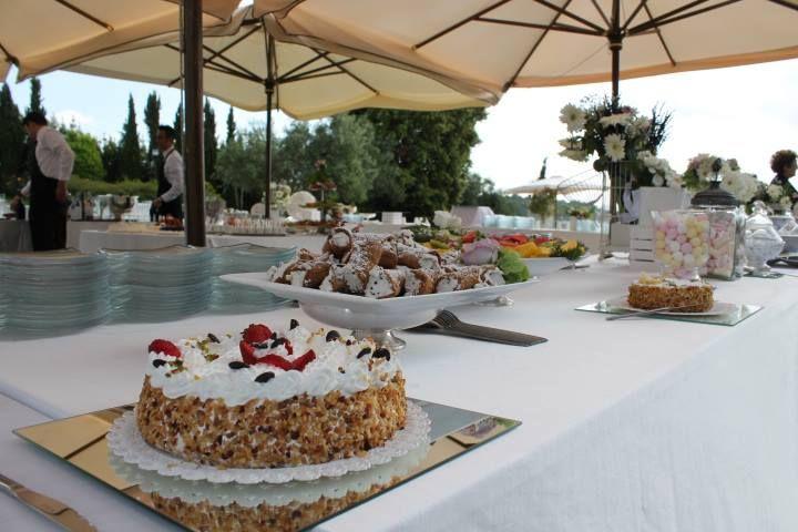 Sweet wedding Dessert buffet !!! http://www.myperfectwedding.it Wedding Planner http://www.initalywedding.com/home-en