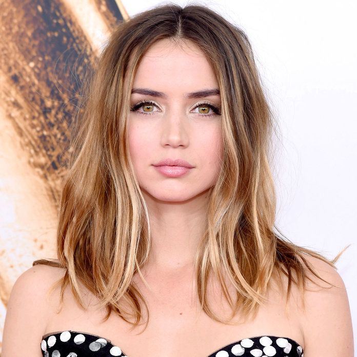 The Best Celebrity Blonde Highlights For Brunettes Brunette Highlights Brunette To Blonde Brunette With Blonde Highlights