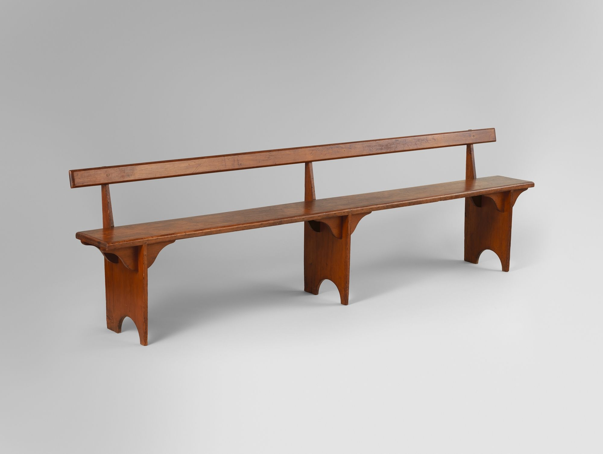Shaker bench in pine, Hancock, Massachusetts.