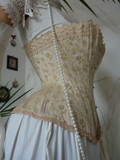 luxurious corset from vienna ca. 1890 - www.antique-gown.com ...