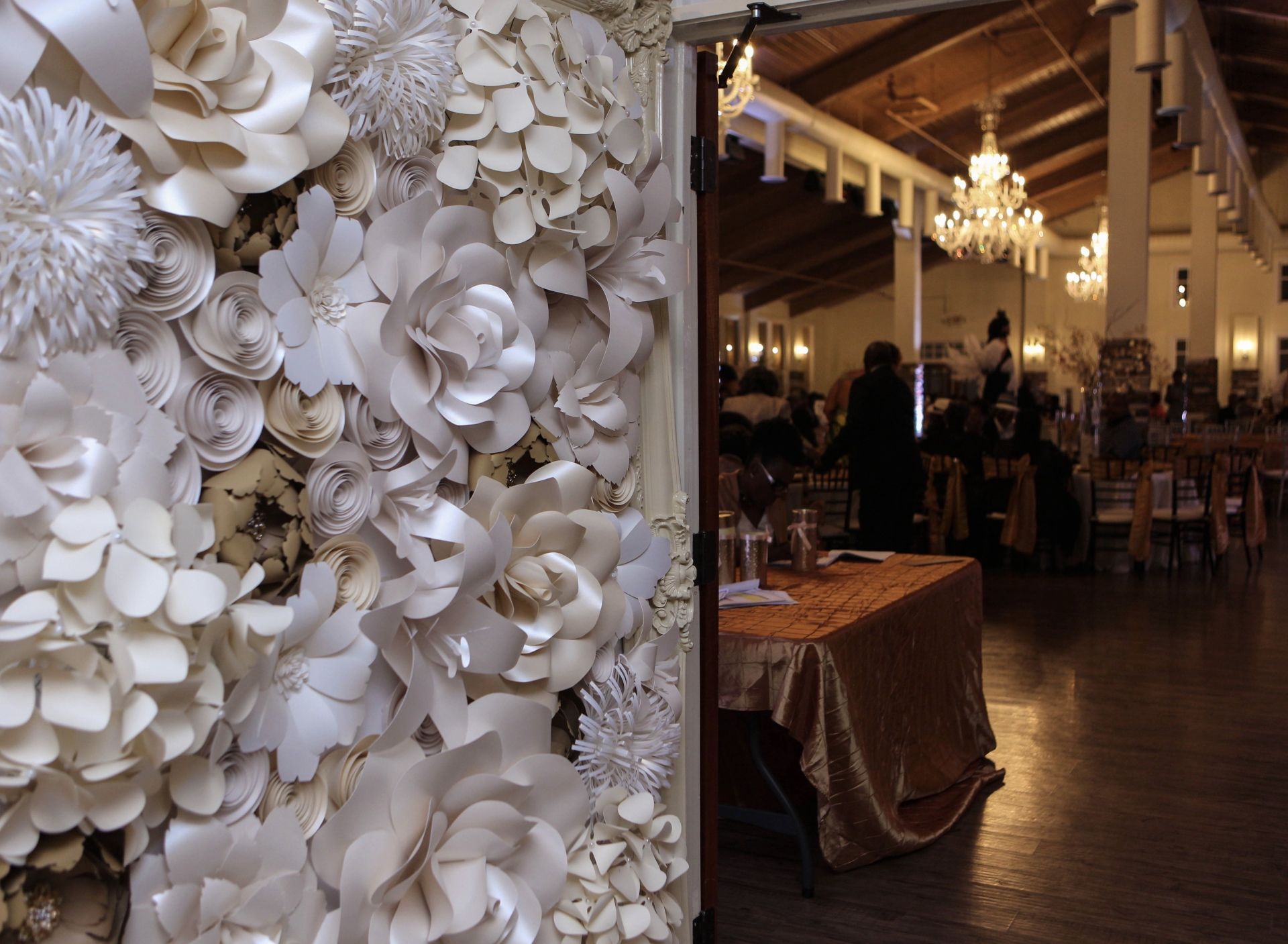 Paper Flower Wall Rental Paper Flower Wall Rentals And Paper Flower Arch Rental Fo Flower Wall Rental Flower Wall Wedding Flower Wall Wedding Ceremony Backdrop