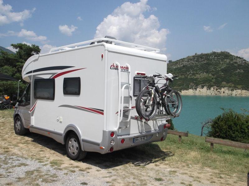 Camping car frigo congelateur grande douche et location - Douche solaire camping car ...