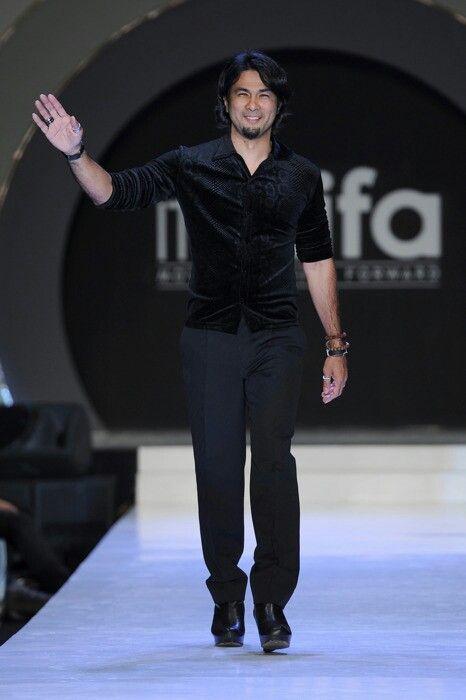 Dato Bernard Chandran Famous Malaysian Fashion Designer Fashion Fashion Design Style